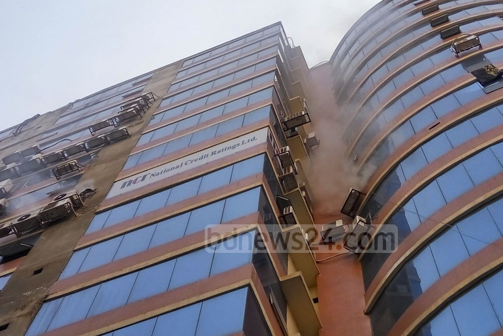 Fire breaks out at Zaman Tower in Purana Paltan on Friday, spreading from the office of the National Credit Rating Ltd located at the 8th storey of the 16-storey building. Photo: Abdullah Al Momin