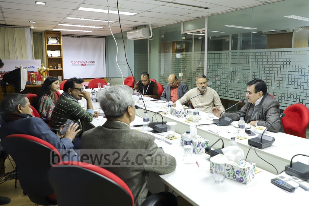 Members attending a meeting of the Editors Guild, Bangladesh at the bdnews24.com offices in Dhaka on Friday.