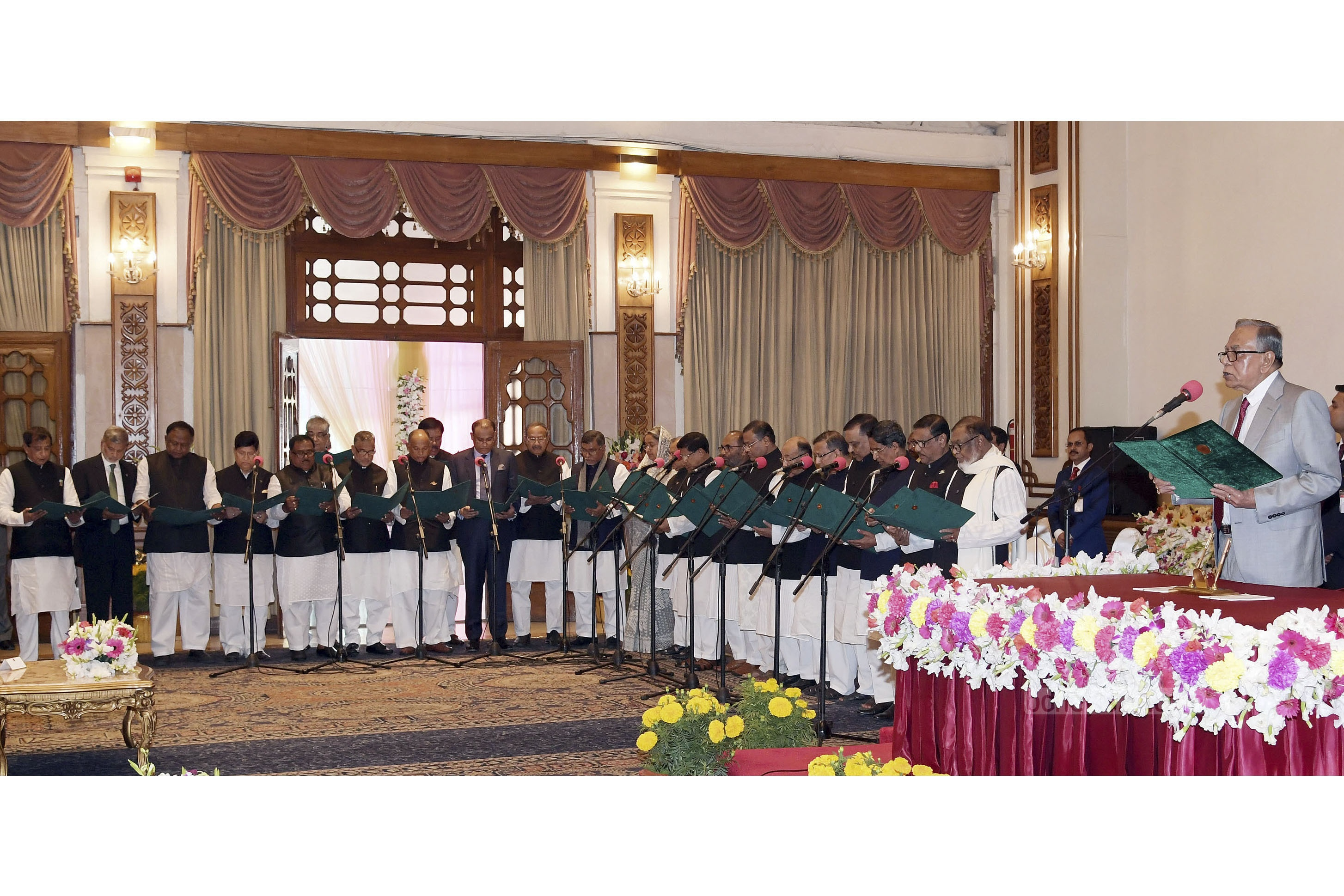 President Md Abdul Hamid administers oath to new cabinet ministers at the Bangabhaban on Monday. Photo: ABM Aktaruzzaman / PID