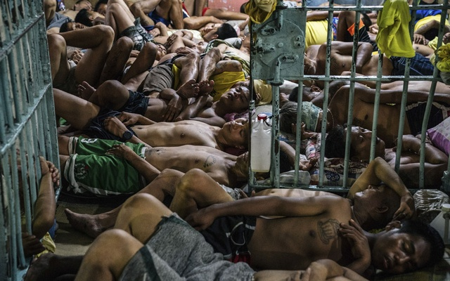 Inmates sleep in a crowded at Manila City Jail in Manila, Philippines, Oct 31, 2018. The New York Times