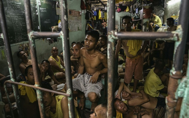 Inmates at Manila City Jail in Manila, Philippines, Oct 31, 2018. The New York Times
