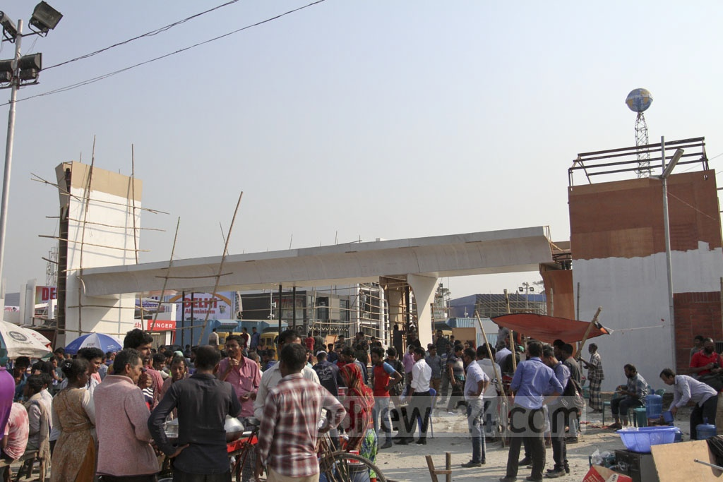 The entrance to the Dhaka International Trade Fair is being modeled on the metro rail. Photo: Asif Mahmud Ove