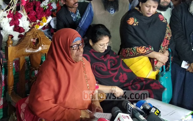 State Minister for Labour and Employment Monnuzan Sufian speaking at a news conference in Dhaka on Wednesday on RMG workers' unrest over new wage structure.