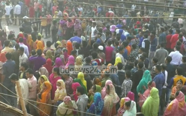 Garment workers protest, clash in Ashulia on Sunday