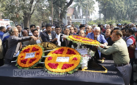The second Namaz-e-Janaza of bdnews24.com's Senior Editor Amanullah Kabir was held at the National Press Club on Wednesday. Later, his long-time colleagues and well-wishers paid their last tribute to the veteran journalist. Photo: Abdullah Al Momin