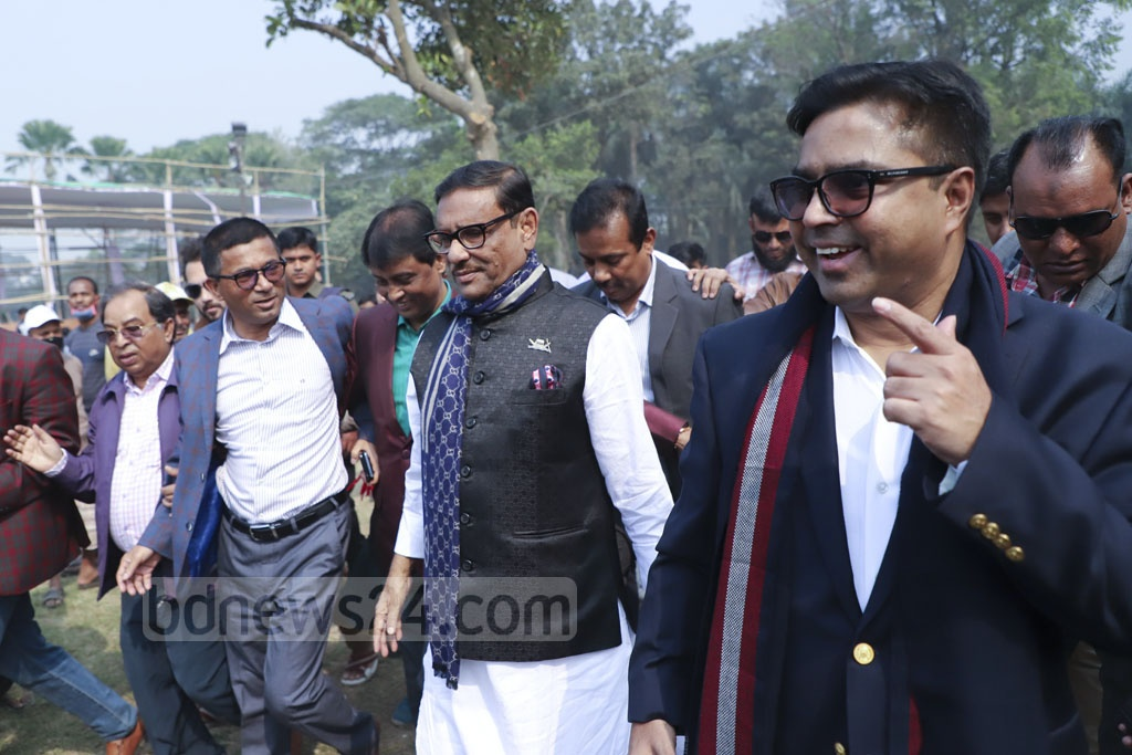Awami League General Secretary Obaidul Quader and Dhaka South Mayor Mohammad Sayeed Khokon inspecting the Suhrawardy Udyan on Thursday. It is the venue of the ruling party's election victory celebrations slated for Saturday.