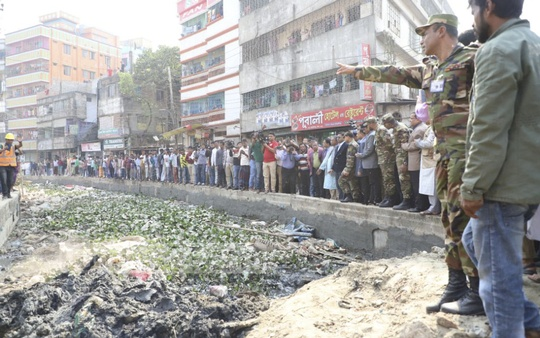 The Dhaka South City Corporation is working to clean and restore the Kutubkhali Canal. The work is undertaken by the Bangladesh army. Photo: Abdullah Al Momin