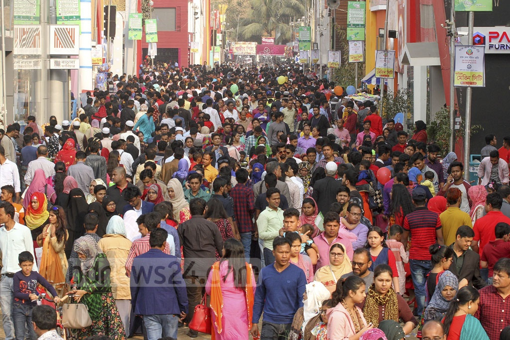 Visitors flocked to Dhaka International Trade Fair 2019 on the weekly holiday Friday.
