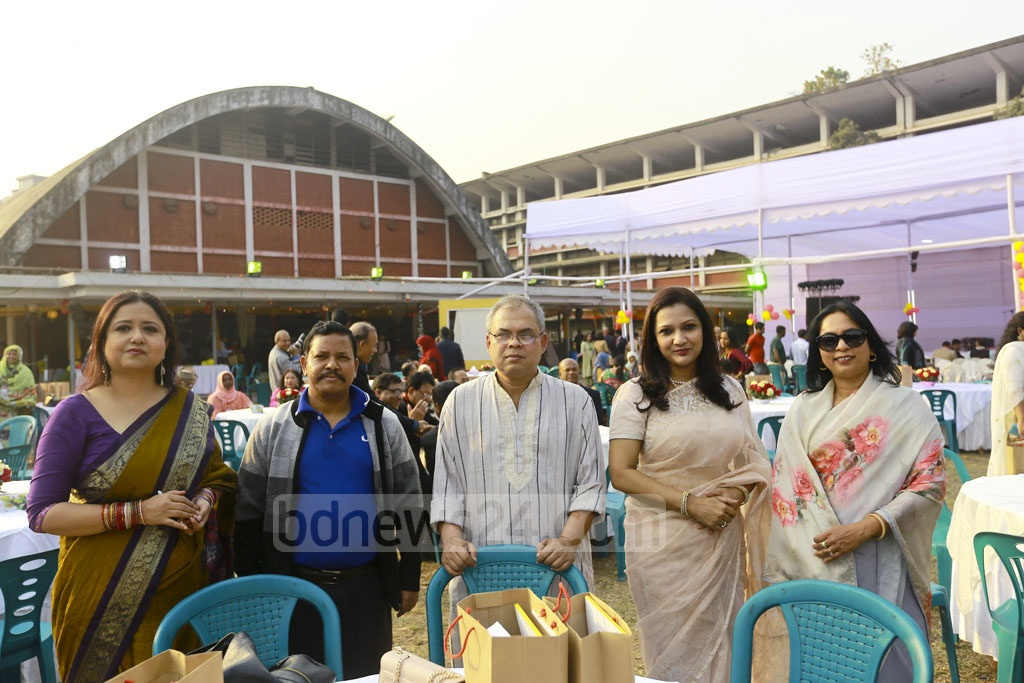 Former students of Dhaka University's English Department spent Friday with laughter and chatter in their annual bash at the Teacher-Student Centre.