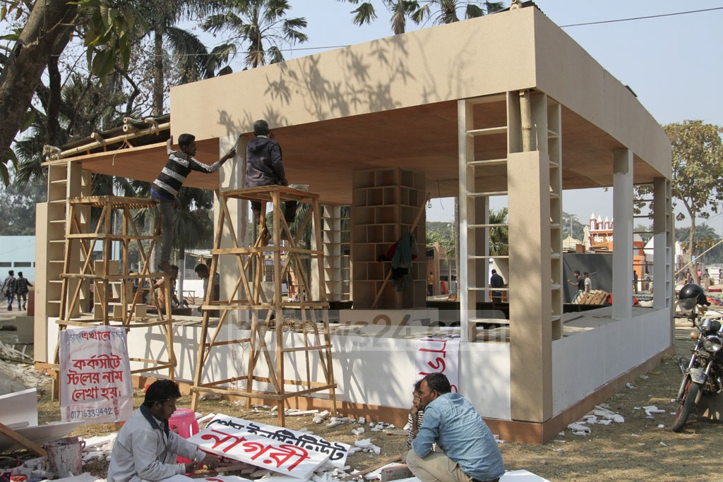 With only two days left until the opening of the Ekushey Book Fair, preparations are in their final stages throughout the Bangla Academy premises and Suhrawardy Udyan. Photo: Asif Mahmud Ove