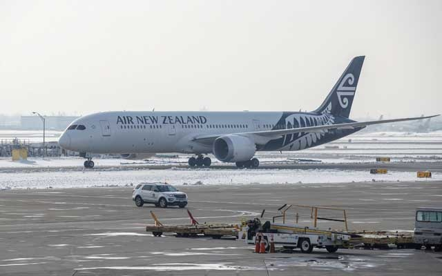 Air New Zealand: FILE PHOTO: An Air New Zealand Boeing 787-9 Dreamliner plane taxis at O'Hare International Airport in Chicago, Illinois, United States, Nov 30, 2018. REUTERS/Kamil Krzaczynski/File Photo