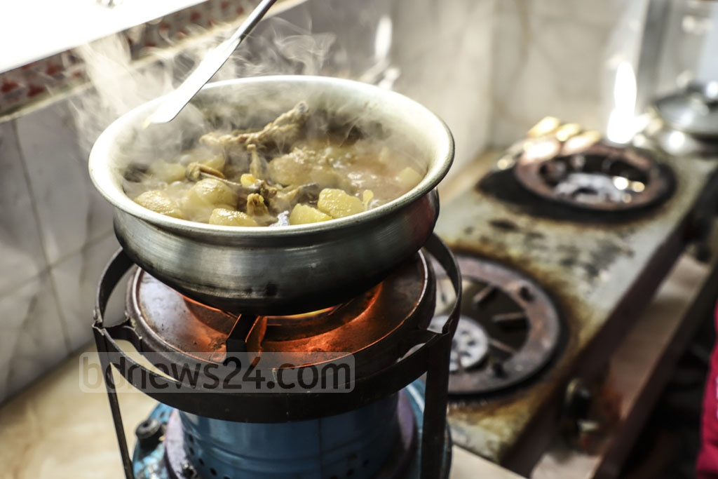 A kerosene stove being used for cooking at Tantibazar in Old Dhaka due to lack of gas on Sunday. Photo: Abdullah Al Momin