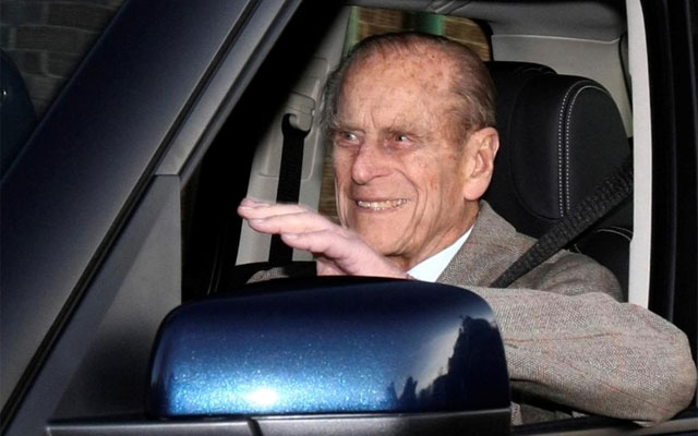 FILE PHOTO: Britain's Prince Philip is driven away from Papworth Hospital in southern England December 27, 2011.- REUTERS