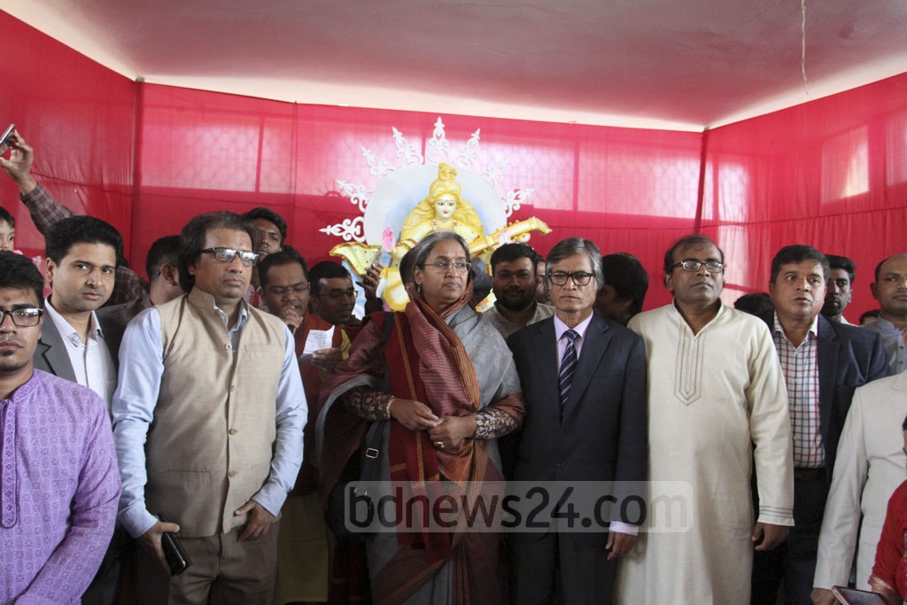 Education Minister Dipu Moni visits a venue for worship at Dhaka University's Jagannath Hall for Saraswati Puja on Sunday. Photo: Asif Mahmud Ove