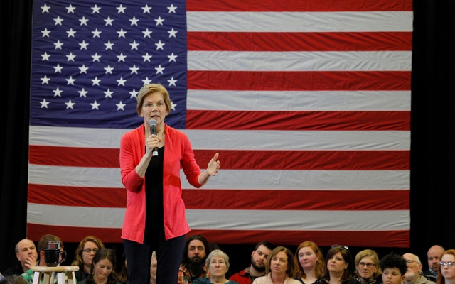 FILE PHOTO: Potential 2020 Democratic presidential candidate US Senator Elizabeth Warren (D-MA) speaks at an Organizing Event in Manchester, New Hampshire, US, Jan 12, 2019. REUTERS/Brian Snyder/File Photo