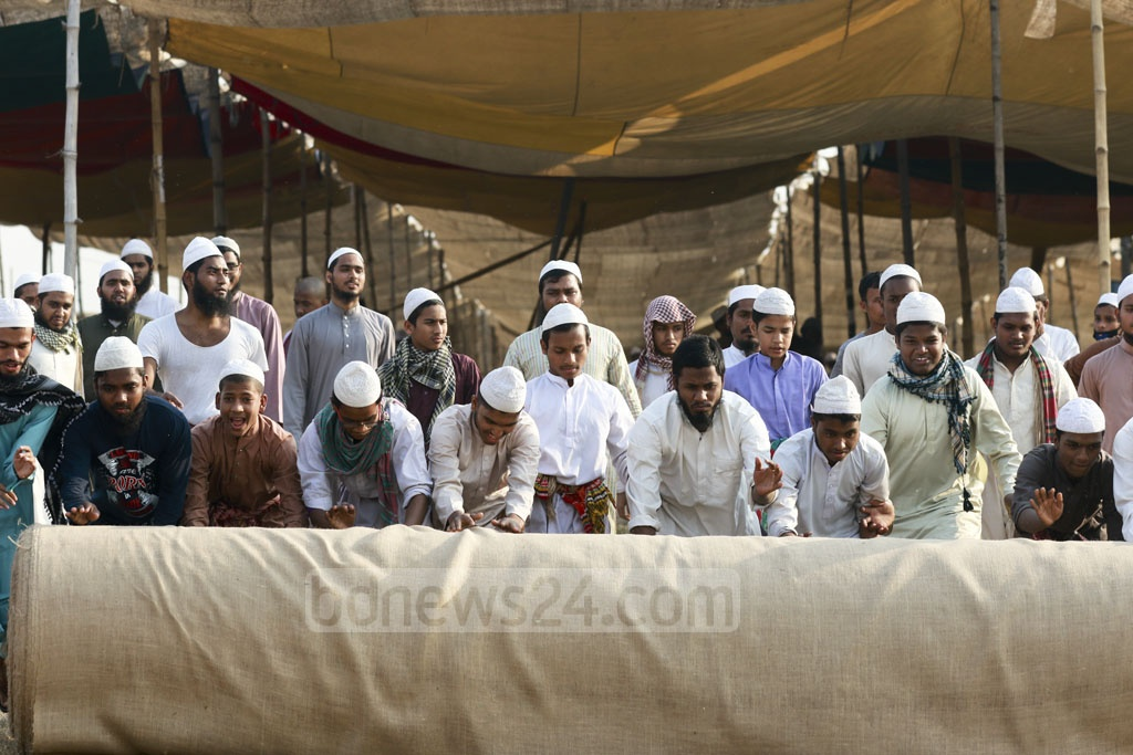 Preparations for Biswa Ijtema under way on the banks of the Turag River in Tongi on the outskirts of the capital on Tuesday. The four-day congregation of Sunni Muslims, organised by the Tabligh Jamaat, is starting on Friday. Photo: Mahmud Zaman Ovi