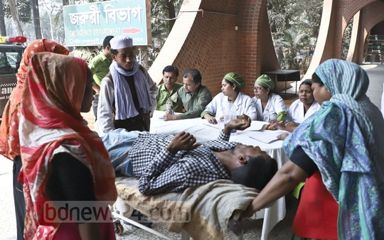 Not all things at the Shaheed Suhrawardy Medical College Hospital in Dhaka were in order on Friday, a day after it caught fire, but relatives were taking back patients there to the facility for resumption of treatment. Photo: Abdullah Al Momin