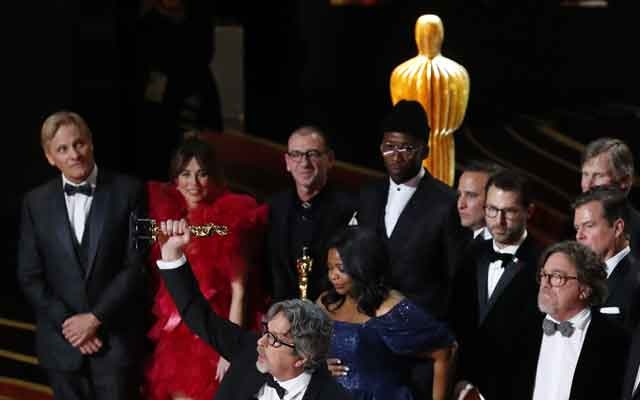 91st Academy Awards - Oscars Show - Hollywood, Los Angeles, California, US, Feb 24, 2019. Director Peter Farrelly holds up the Oscar as he speaks on stage after