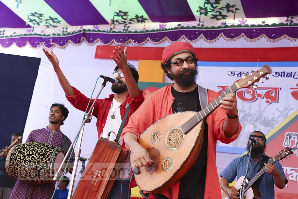 Joler Gaan performing at Muktir Utsob, a festival organised by the Liberation War Museum at Dhaka University's central ground on Friday ahead of the Independence Day. Photo: Abdullah Al Momin