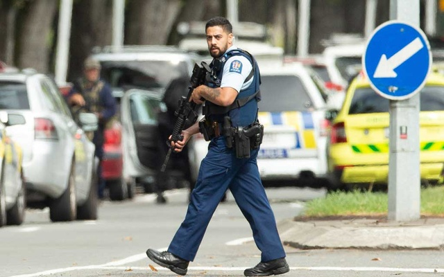 Armed police following a shooting at the Al Noor mosque in Christchurch, New Zealand, Mar 15, 2019. REUTERS