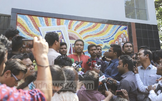 DUCSU General Secretary Golam Rabbani speaking to the media outside the DUCSU building after the first meeting of the student body in nearly three decades. Photo: Asif Mahmud Ove