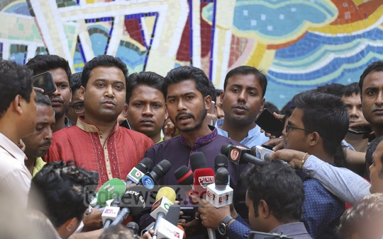 DUCSU Vice-President Nurul Haq Nur speaking to the media outside the DUCSU building after the first meeting of the student body in nearly three decades. Photo: Asif Mahmud Ove