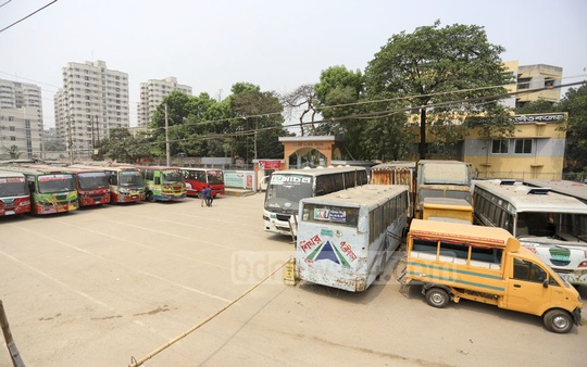Vehicles seized by police have also been parked in front of the Govt Music College. Photo: Asif Mahmud Ove