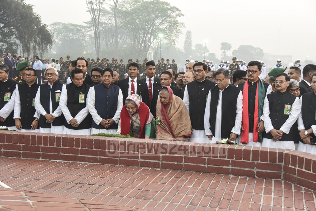 Prime Minister and Awami League President Sheikh and leaders and activists from her party pay their respects at the National Martyrs' Monument on Independence Day.