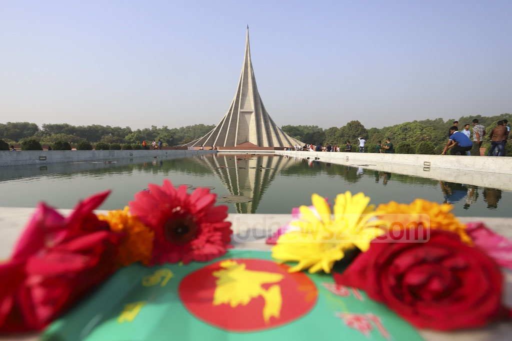 People of all walks of life make their way to National Memorial at Savar to pay tribute to martyrs of the 1971 Liberation War on Independence Day on Tuesday. Photo: asif mahmud ove