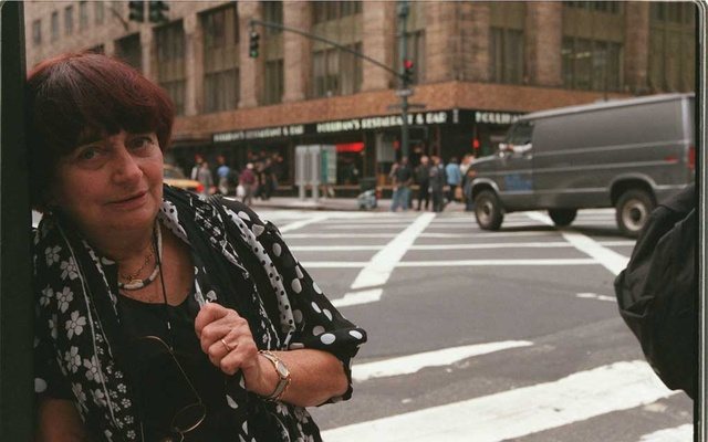 FILE — Agnès Varda, the acclaimed French filmmaker, in New York, Oct 4, 2000. Varda, an emblematic feminist and cinematic firebrand whose innovations predated the work many other filmmakers in the New Wave movement which she was often identified with, died at home in Paris on Mar 29, 2019. She was 90. (Chester Higgins/The New York Times)