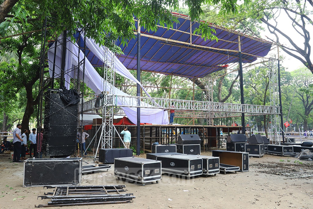 A group of people vandalised and torched a stage and other arrangements for a Pahela Baishakh concert of Bangladesh Chhatra League on the Dhaka University campus on Saturday following a dispute between rivals in the organisation. Photo: Asif Mahmud Ove