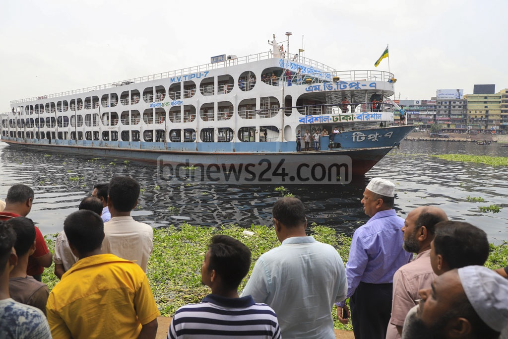 A launch named MV Tipu docked at the pontoon of Sadarghat terminal amidst an ongoing strike called by the water transport workers on Tuesday in the presence of Golam Kibria Tipu, a leader of the Bangladesh Launch Owners Association. Photo: Abdullah Al Momin