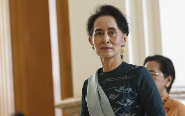 File Photo: National League for Democracy (NLD) party leader Aung San Suu Kyi arrives at the Union Parliament in Naypyitaw, Myanmar Mar 15, 2016. REUTERS
