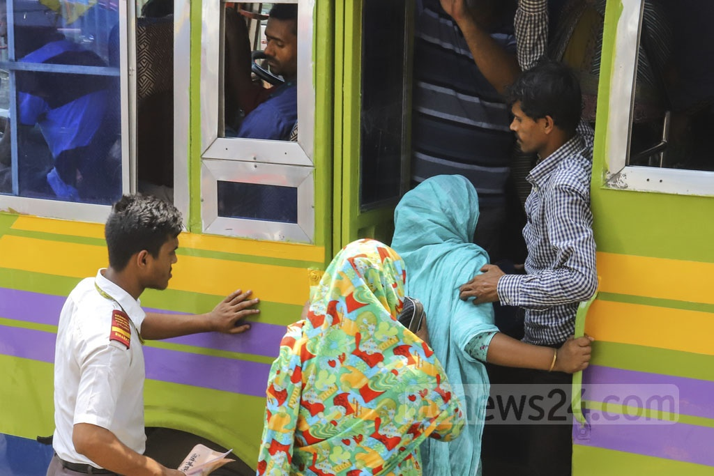 Women face different sorts of harassment, including sexual, while travelling by public transports in Dhaka. Photo: Asif Mahmud Ove