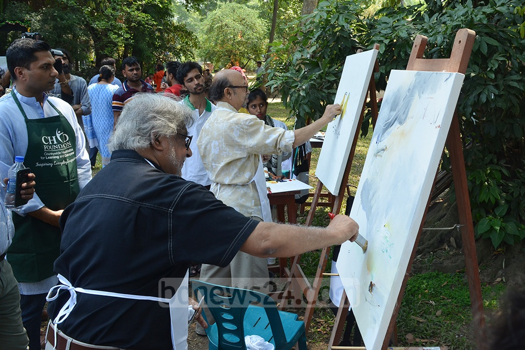 Noted artists Hashem Khan and Rafiqun Nabi inaugurated an art camp for the autistic children at the Dhaka University's Faculty of Fine Arts on Friday.