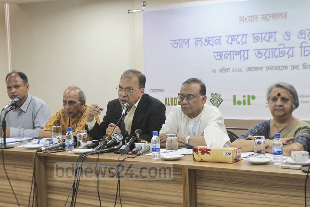 TIB Executive Director Iftekharuzzaman speaking at a press conference in Dhaka on Thursday on its findings on filling up water bodies in and around the city.