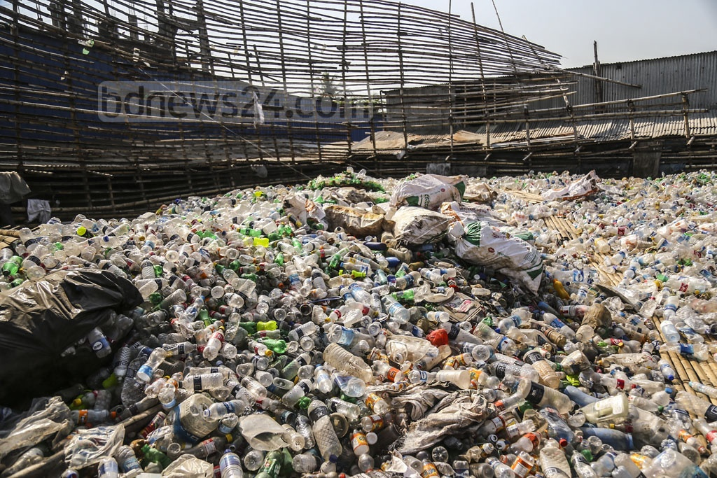 Moonlight at Bhatara in Dhaka is exporting plastic recycled from trashed goods. Photo: Mahmud Zaman Ovi