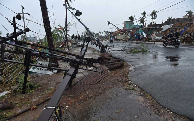 Fallen utility poles are pictured after Cyclone Fani hit Puri, in the eastern state of Odisha, India, May 3, 2019. REUTERS/Stringer