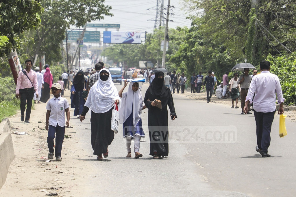 Commuters suffered for the third day on Wednesday as jute mill workers blocked the street at Demra in Dhaka for a nine-point charter of demand, including implementation of the wage commission recommendations.