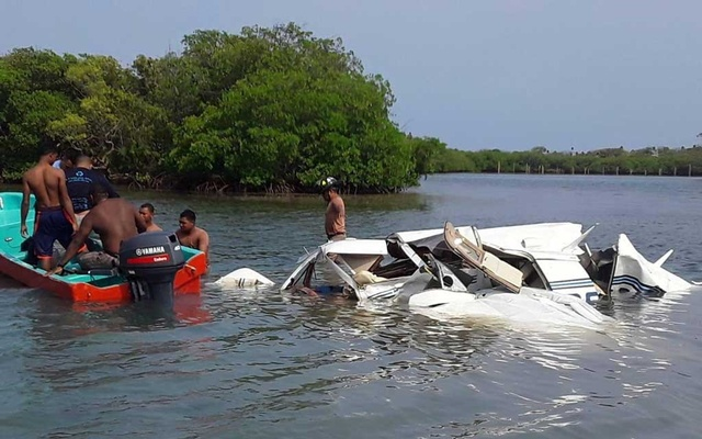 A view shows wreckage of a plane that crashed into the sea near the island of Roatan, Honduras, May 18, 2019, in this picture obtained from social media. Honduras Fire Department/via REUTERS