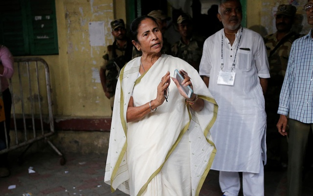 Mamata Banerjee, the Chief Minister of West Bengal and chief of Trinamool Congress (TMC), gestures as she talks to media after casting her vote at a polling station during the final phase of general election in Kolkata, India, May 19, 2019. Reuters