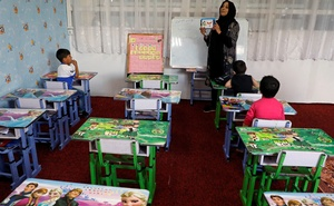Afghan children attend a class at a day care centre at the Ministry of Communications and Information Technology (MCIT) in Kabul, Afghanistan May 8, 2019. REUTERS