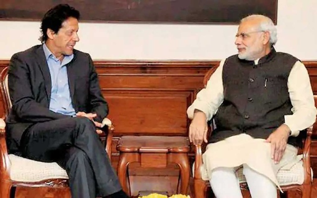 Tehreek-e-Insaf leader Imran Khan meets Narendra Modi in New Delhi in 2016 before taking office as Pakistan's prime minister two years later. Photo collected from the Twitter account of India's Ministry of External Affairs.