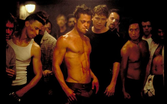 """Brad Pitt, centre, in """"Fight Club,"""" directed by David Fincher. The New York Times"""