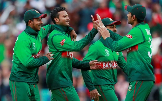 England off to a solid start after Bangladesh opt to bowl