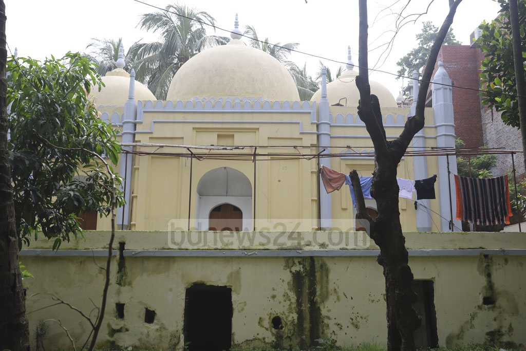 The Musa Khan Mosque on the Dhaka University campus is steeped in memories of the son of Isa Khan, one of the 12 landlords called the Baro Bhuiyans. Photo: Asif Mahmud Ove