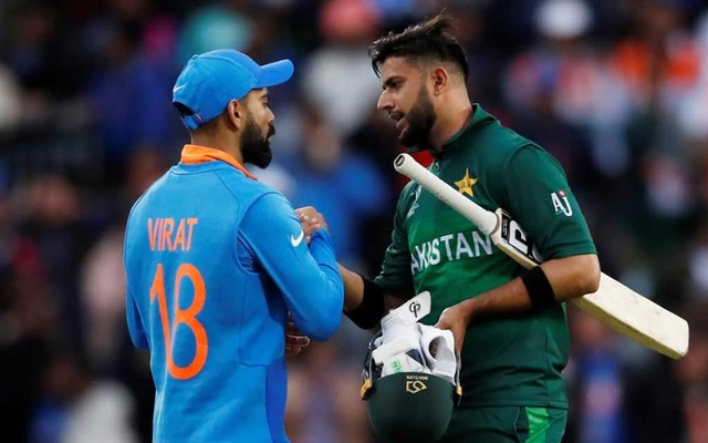 Cricket - ICC Cricket World Cup - India v Pakistan - Emirates Old Trafford, Manchester, Britain - Jun 16, 2019 India's Virat Kohil shakes hands with Pakistan's Imad Wasim after the match Action Images via Reuters/Andrew Boyers