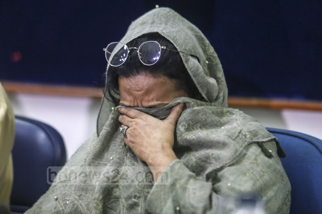 Syeda Yasmin Arjuman, the mother of Syed Iftekhar Alam who went missing on Jun 9, broke down in tears when talking about her son at a media briefing at the Dhaka Reporters' Unity on Monday. Photo: Mahmud Zaman Ovi