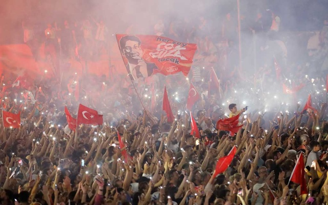 Istanbul votes in mayoral re-run. REUTERS