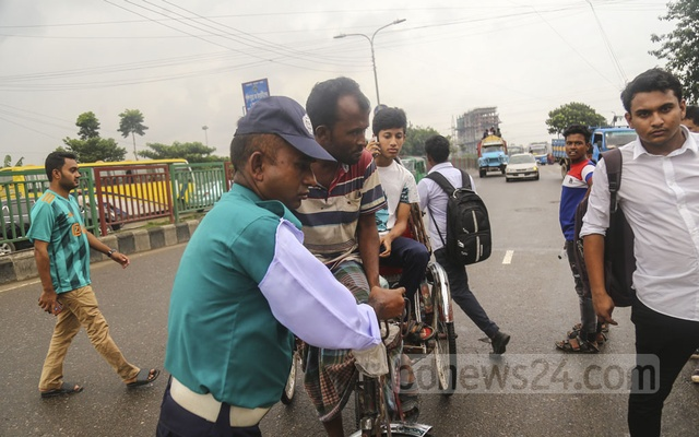 Rickshaw ban on key Dhaka streets fails to ease traffic snarls but